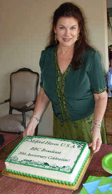 Mara Purl with MH 20th Anniversary cake